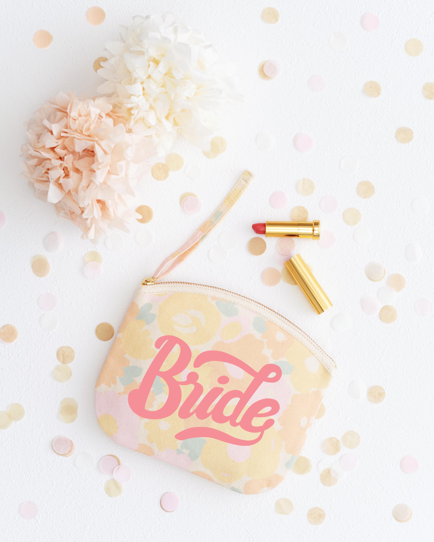 bride-floral-pouch-lifestyle-hires-2