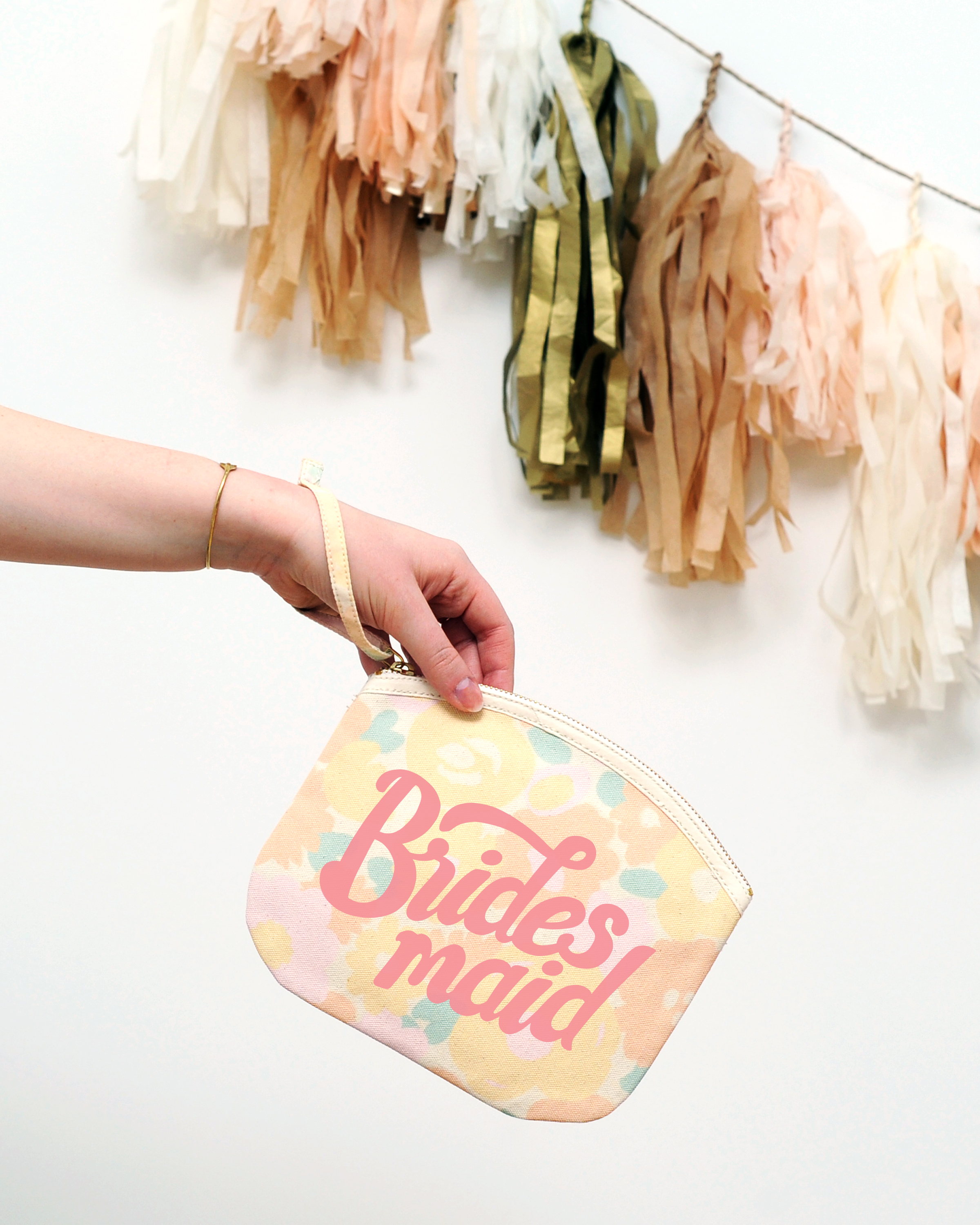bridesmaid-floral-pouch-lifestyle-hires-4